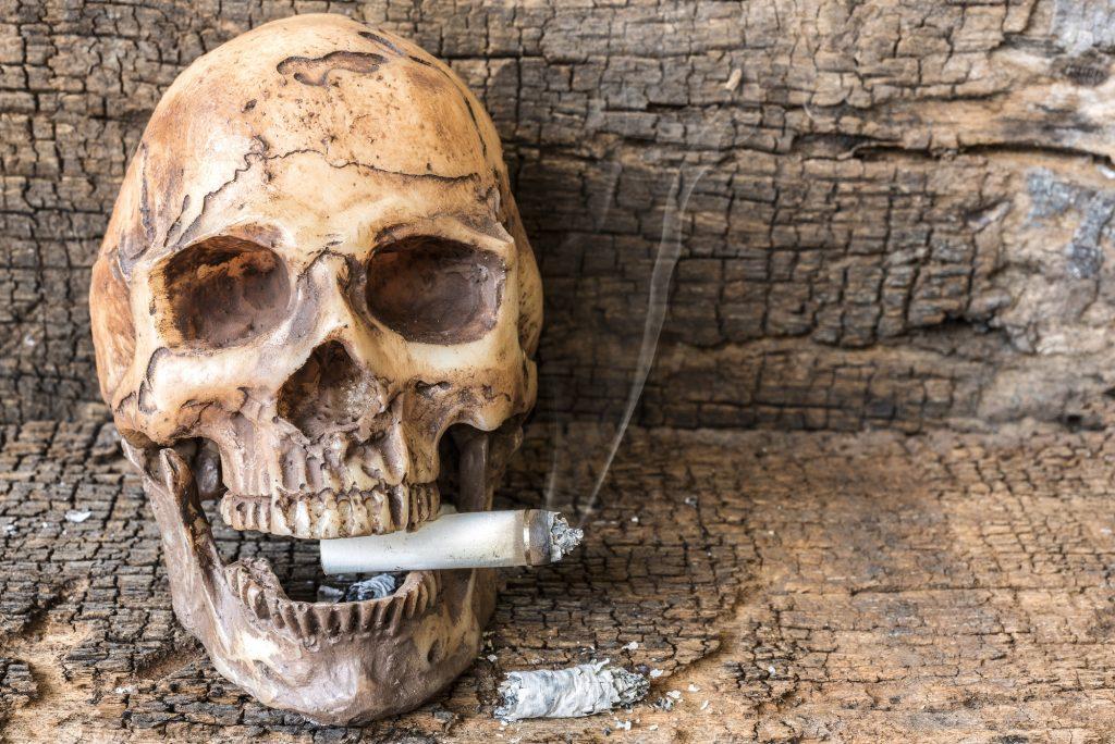 вред табака для костей